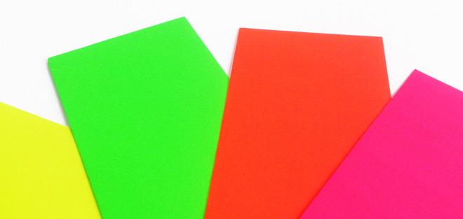 Die neue Umschlag-Kollektion »Neon« von Römerturm bietet Briefhüllen für ein extravagantes Corporate Design.
