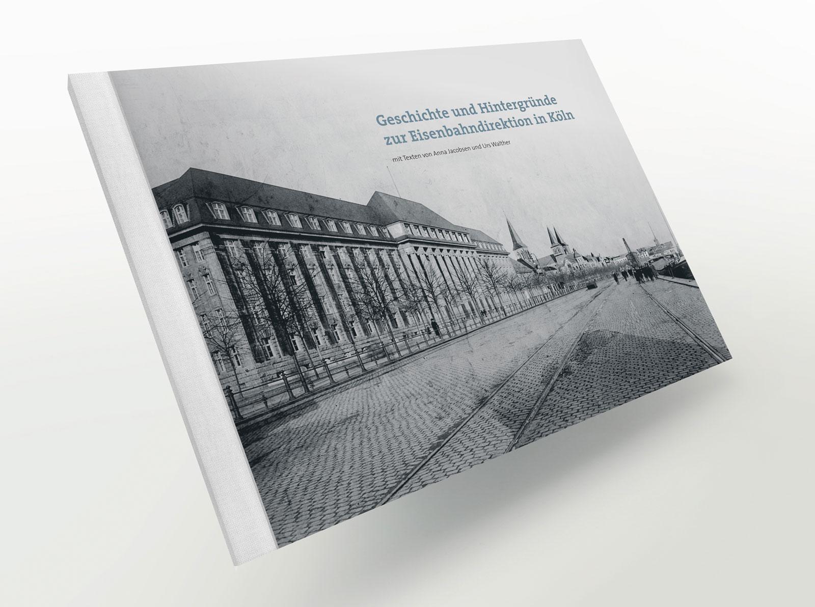 reinsicht realisiert im Bereich Editorial Design für die HOCHTIEF AG eine umfangreiche Dokumentation über die »Königliche Eisenbahndirektion zu Cöln«.